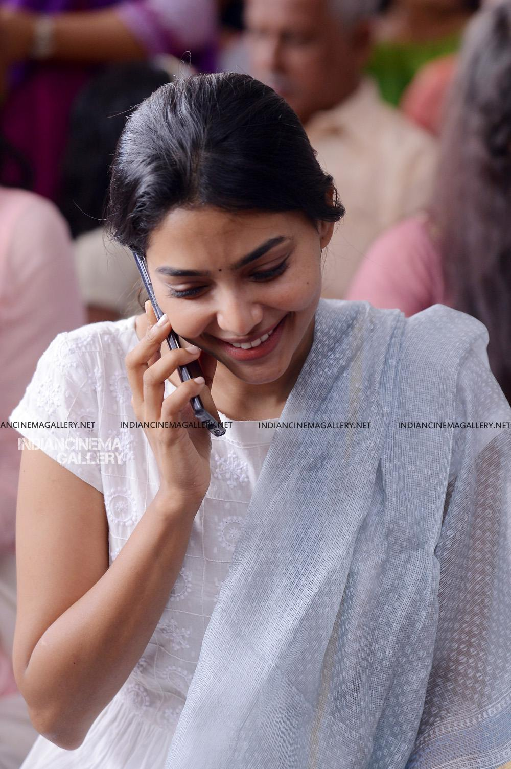 Aishwarya Lekshmi at Brothers Day movie pooja (11)