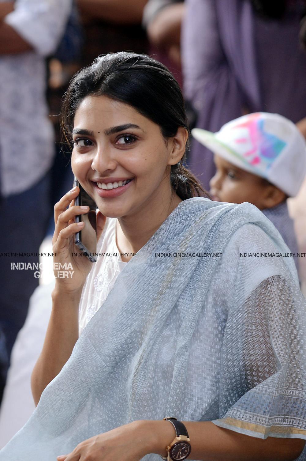 Aishwarya Lekshmi at Brothers Day movie pooja (6)