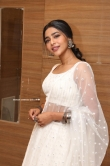 Aishwarya Lekshmi in white dress (23)