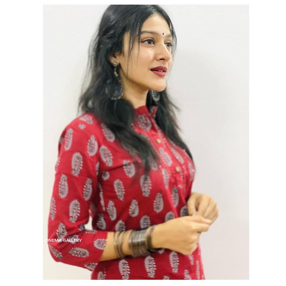 Anarkali Nazar Actress Photos Stills Gallery