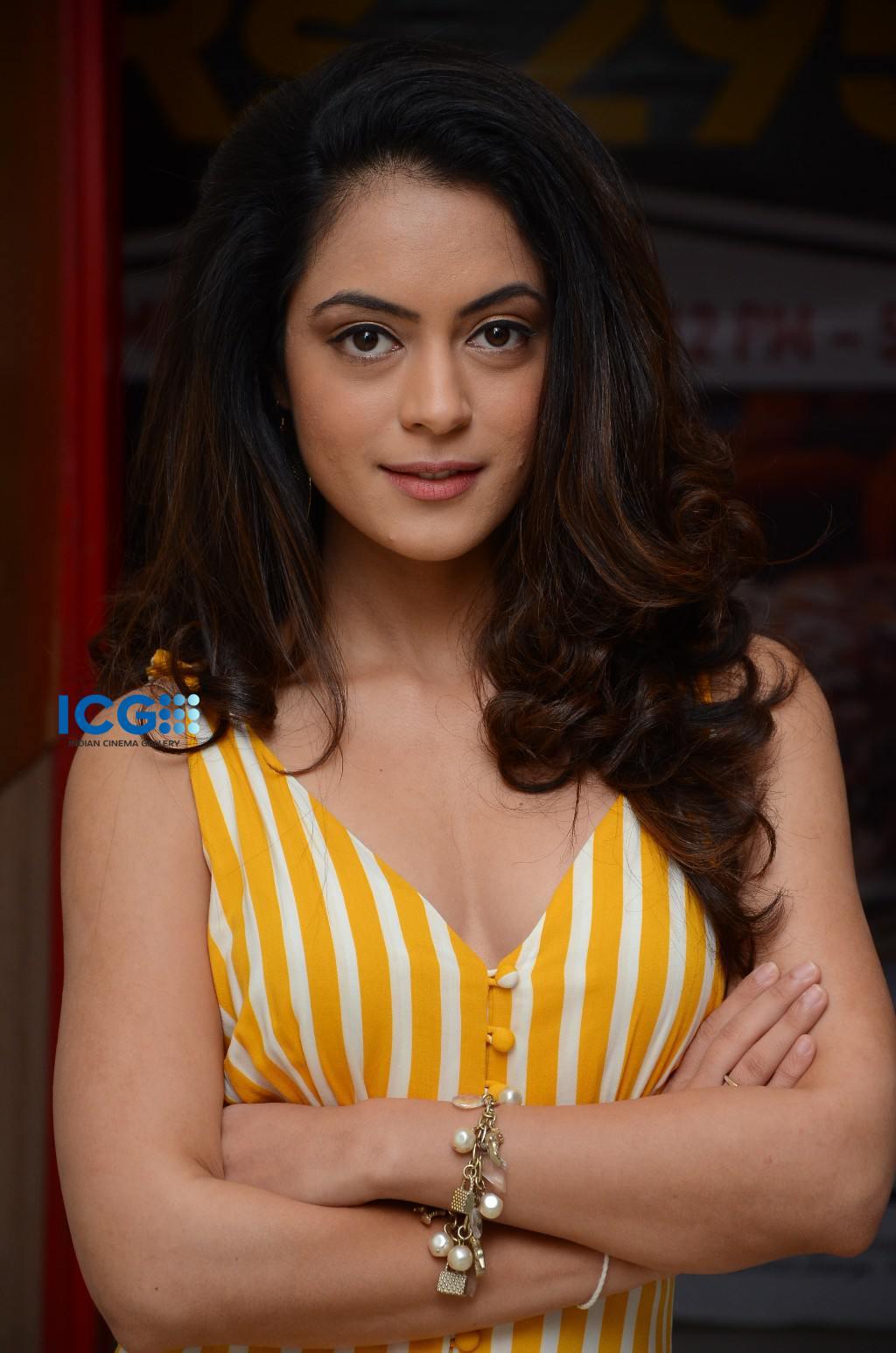 Anya Singh in yellow dress (12)