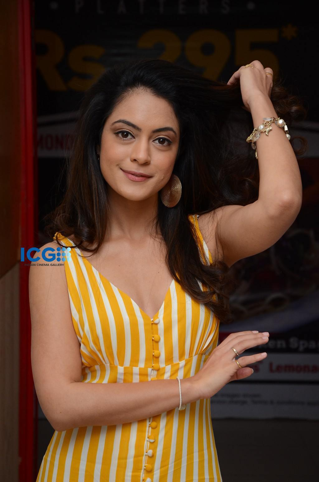 Anya Singh in yellow dress (14)