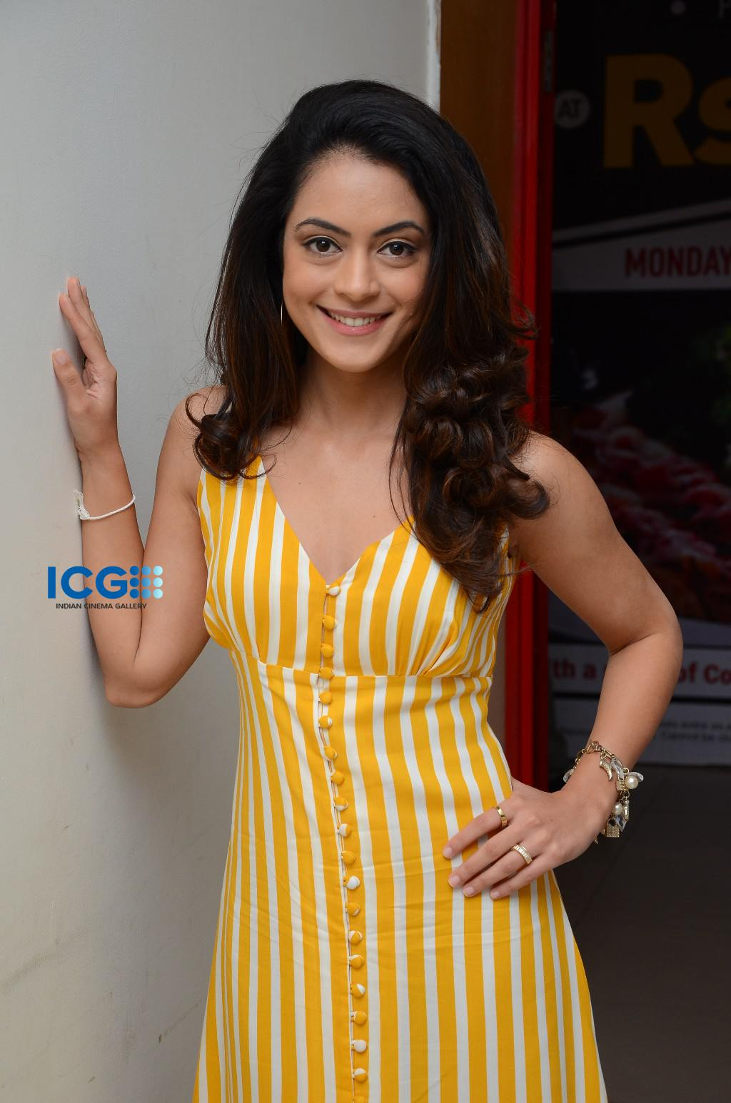 Anya Singh in yellow dress (6)