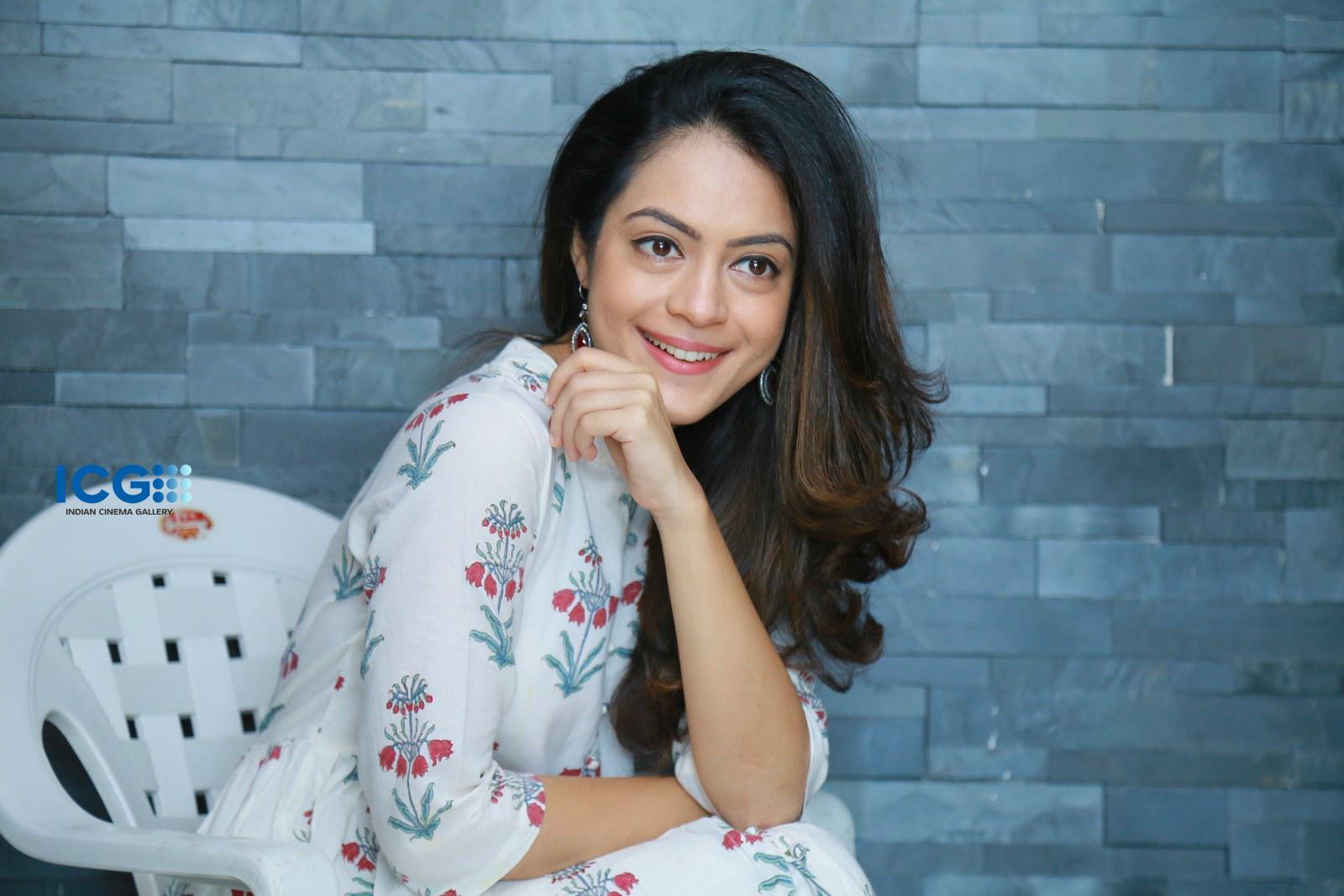 Anya Singh stills during interview (28)
