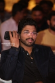 Allu Arjun at Vijetha Success meet (17)