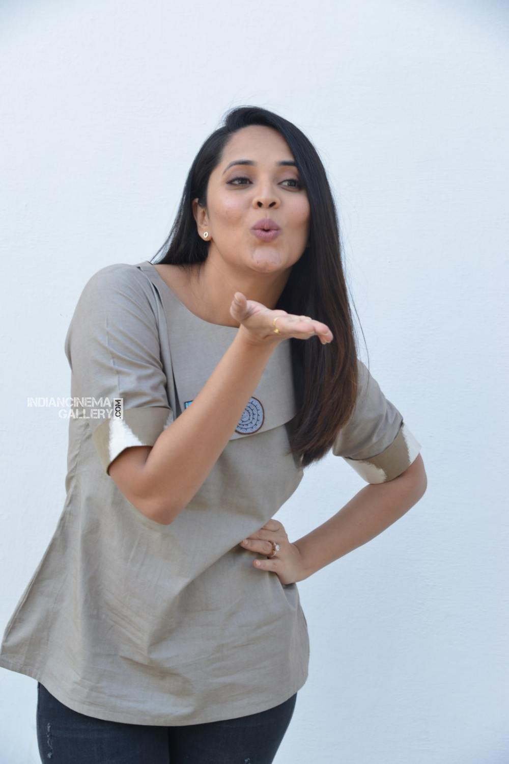 Anasuya Bharadwaj at kadhnam movie press meet (15)
