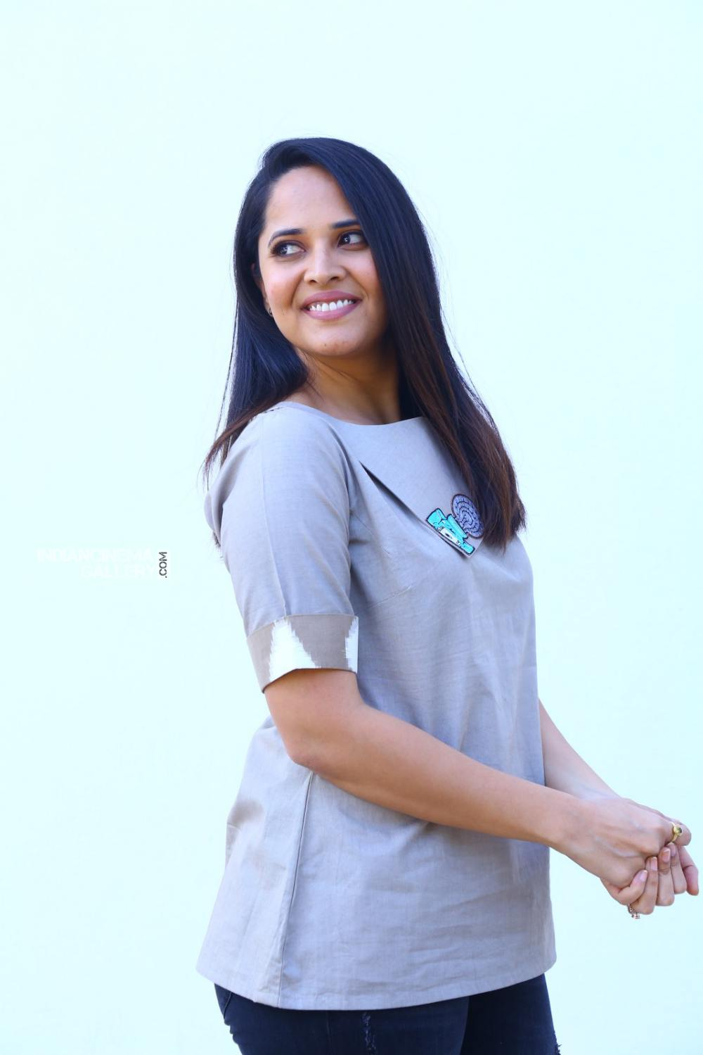 Anasuya Bharadwaj at kadhnam movie press meet (8)