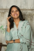 Anasuya at F2 success meet (6)