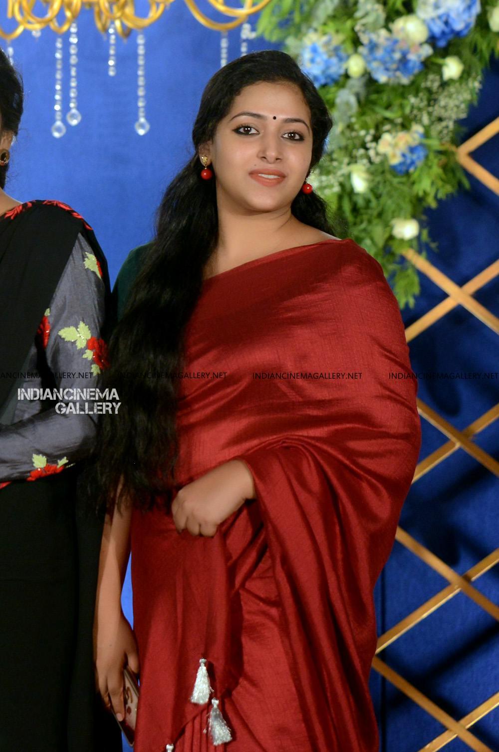 Anu Sithara at sunny wayne reception (3)