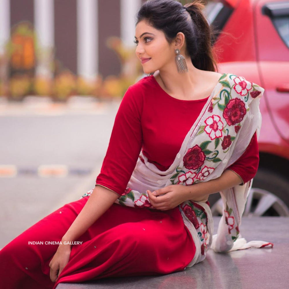 Athulya Ravi Instagram Photos(1)