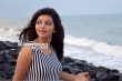Athulya Ravi photo shoot stills (11)