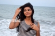 Athulya Ravi photo shoot stills (12)