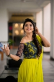 Athulya Ravi stills in Yellow dress (2)