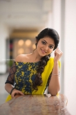 Athulya Ravi stills in Yellow dress (9)