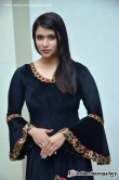 actress-mannara-chopra-latest-stills-101320