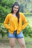 Mannara Chopra at Hi 5 Movie Shooting Coverage Press Meet (13)