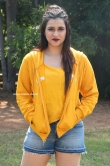 Mannara Chopra at Hi 5 Movie Shooting Coverage Press Meet (15)