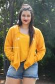 Mannara Chopra at Hi 5 Movie Shooting Coverage Press Meet (16)