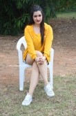 Mannara Chopra at Hi 5 Movie Shooting Coverage Press Meet (5)