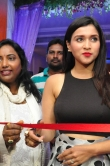 mannara-chopra-at-trendz-designer-exhibition-launch-2580