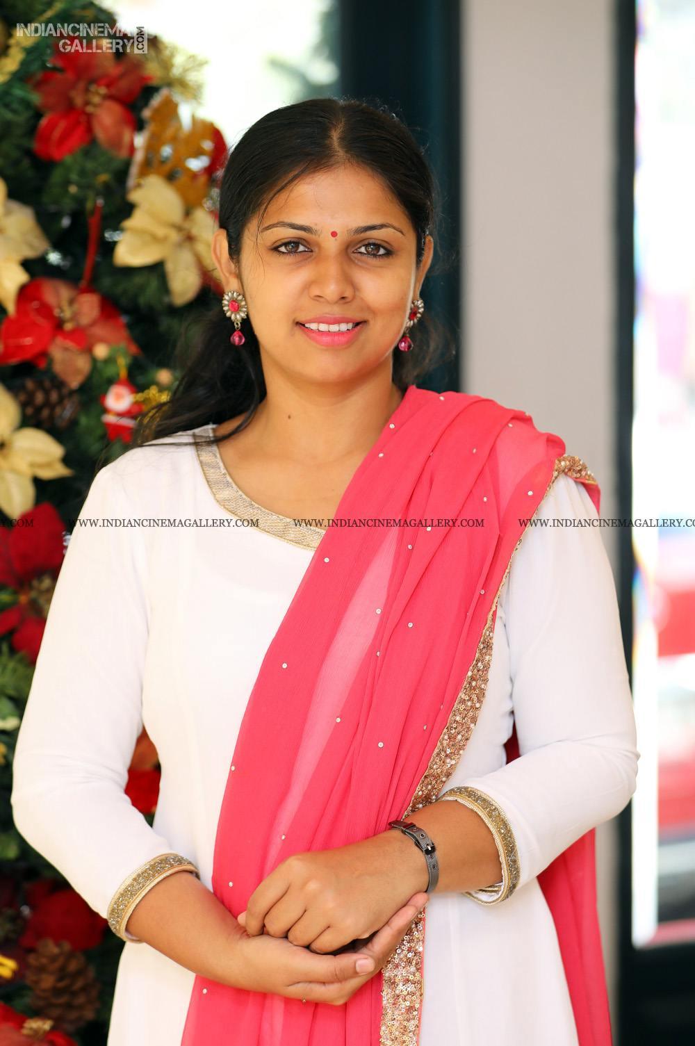 Anjali Nair at Vritham Movie Launch (9)