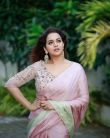 bhavana-in-light-pink-saree-9