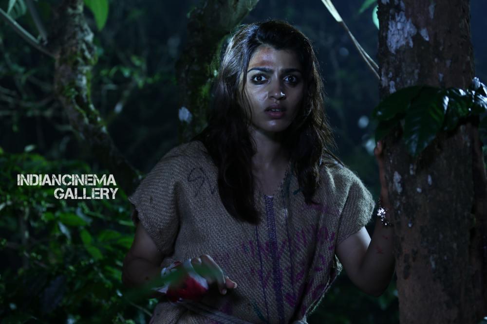 Dhansika in Uchakattam Movie (6)