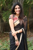 Dhanya Balakrishna in black saree (12)