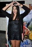 izabelle-leite-promotes-puranhi-jeans-at-cafe-coffee-day-79857