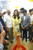 kajal agarwal at happi mobiles 57th store opening (1)