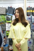 kajal agarwal at happi mobiles 57th store opening (6)