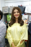 kajal agarwal at happi mobiles 57th store opening (7)
