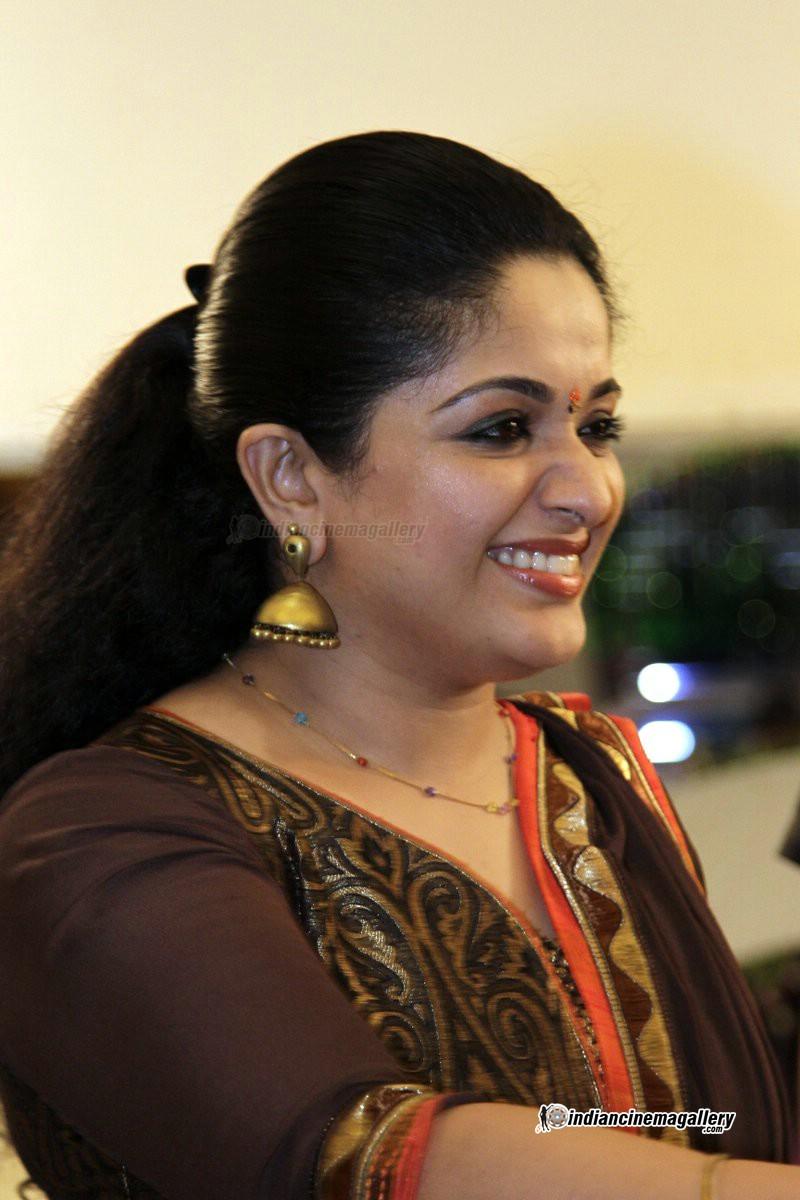 Kavya Madhavan At Director Siddique Daughter Wedding 58800
