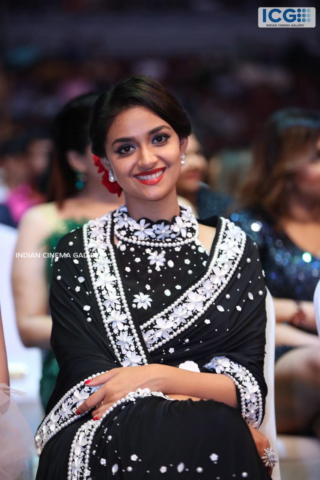 Keerthi Suresh at SIIMA Awards 2019 (10)