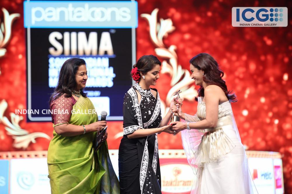 Keerthi Suresh at SIIMA Awards 2019 (6)