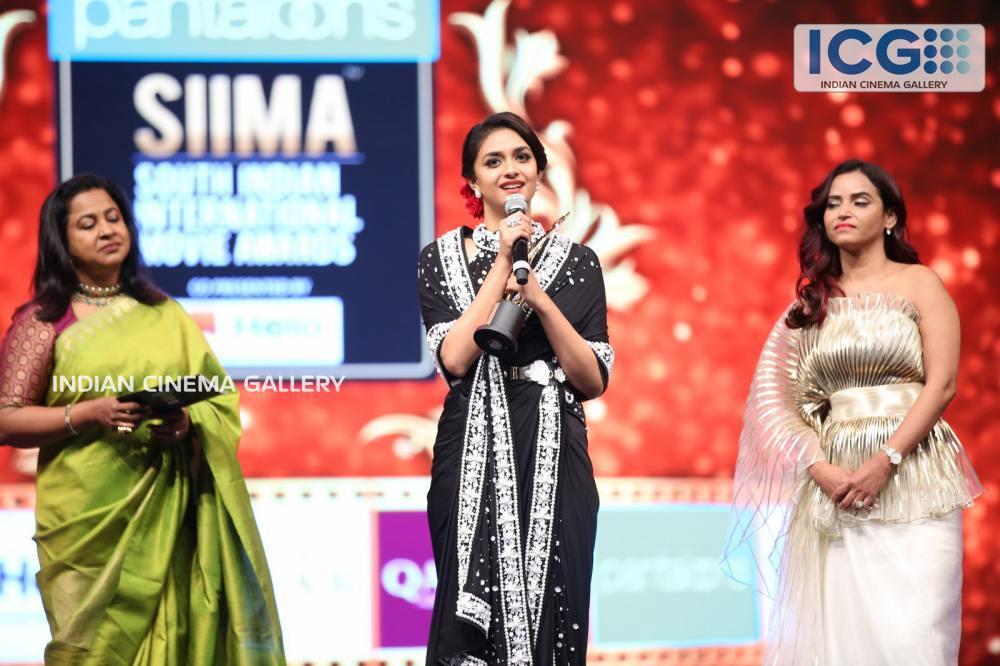 Keerthi Suresh at SIIMA Awards 2019 (7)
