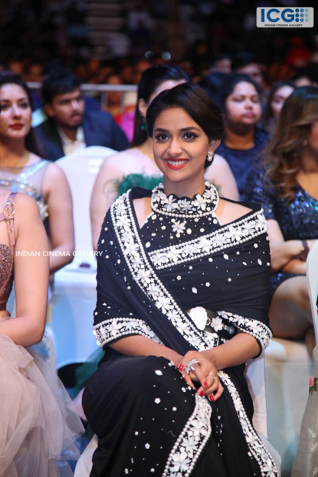 Keerthi Suresh at SIIMA Awards 2019 (9)