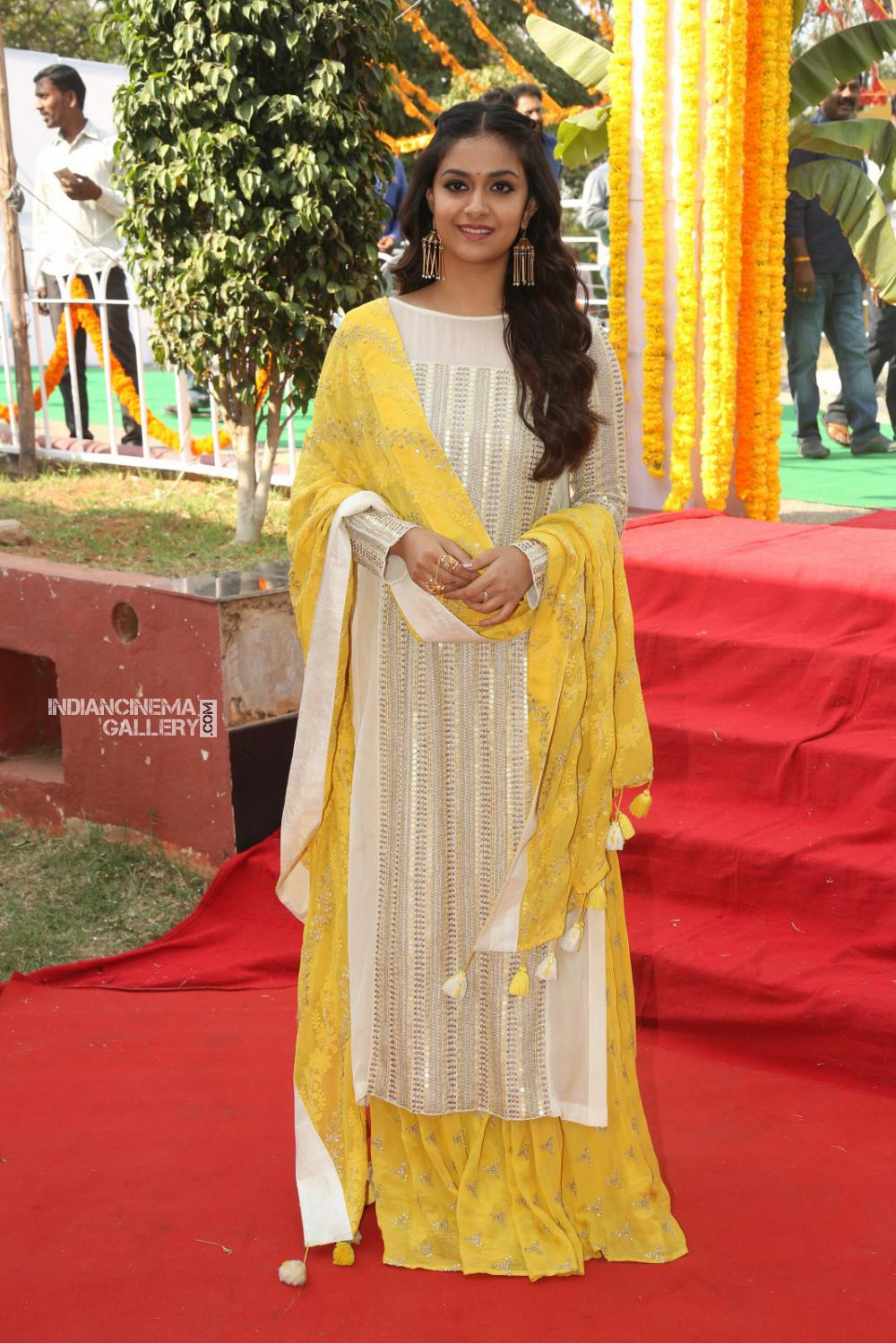 Keerthy suresh at her new movie opening (1)