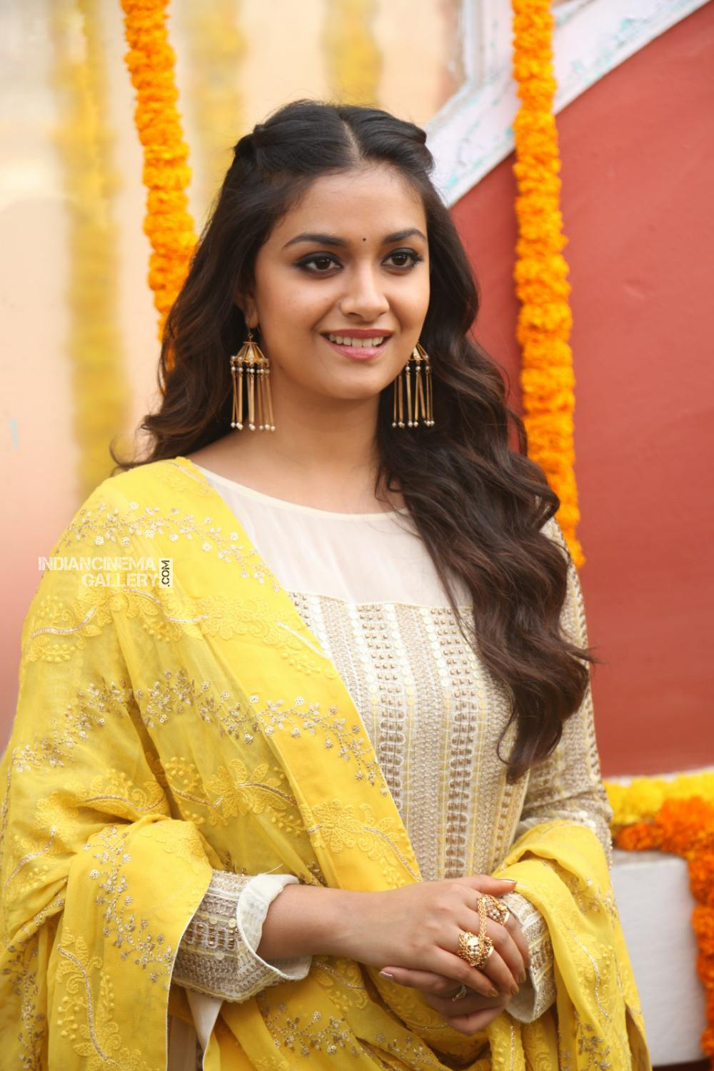 Keerthy suresh at her new movie opening (11)