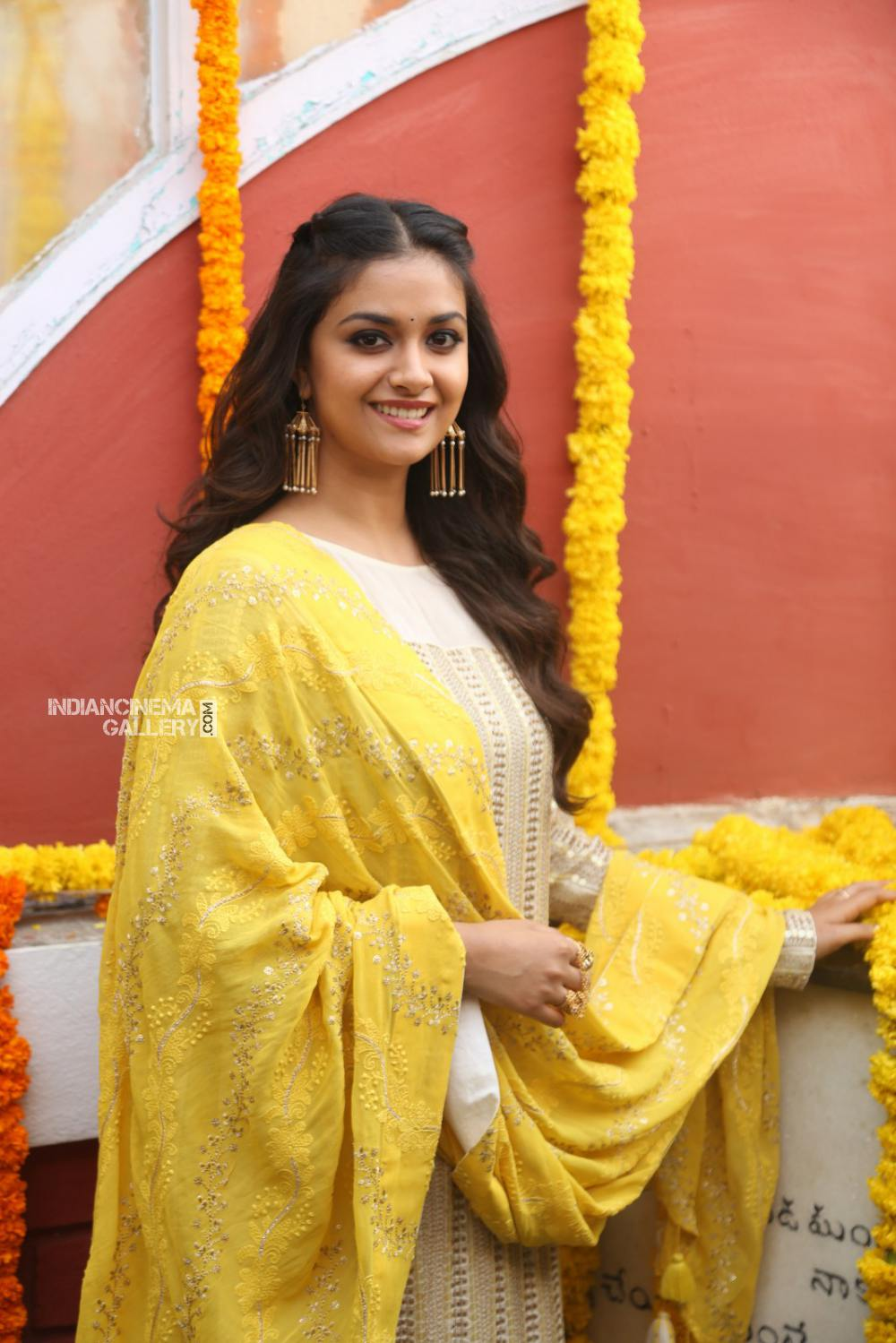 Keerthy suresh at her new movie opening (13)