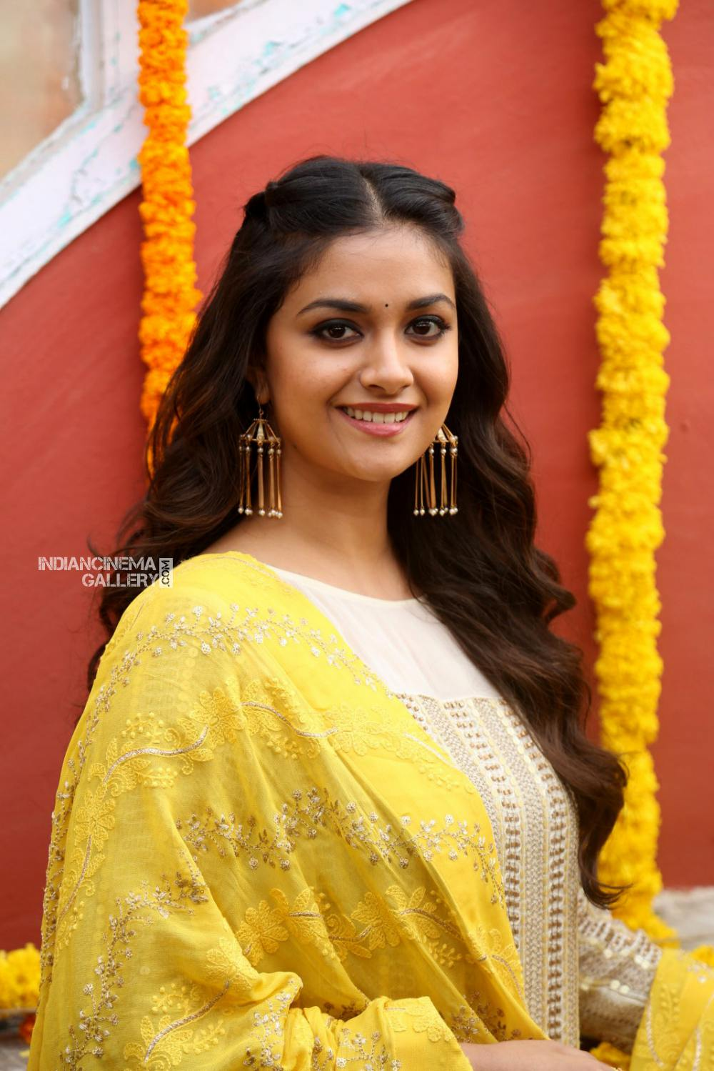 Keerthy suresh at her new movie opening (14)
