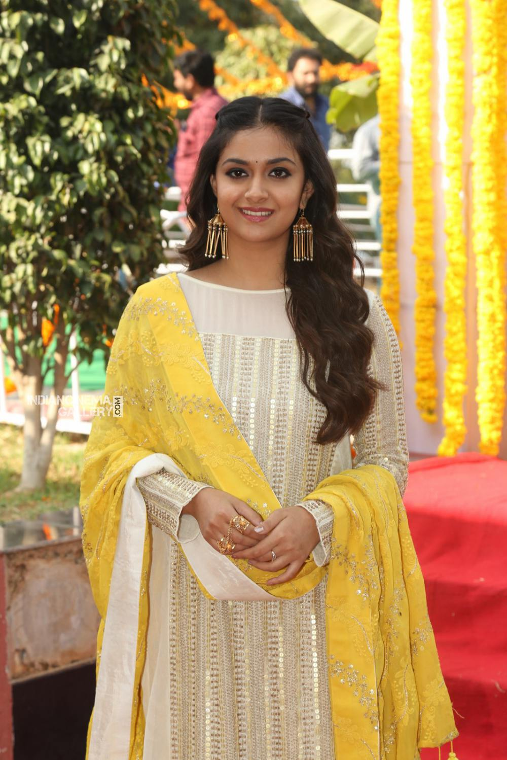 Keerthy suresh at her new movie opening (2)