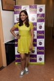 madhu shalini in yellow dress sep 2019 (11)