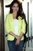 madhuri-dixit-at-dedh-ishqiya-movie-promotion-26865