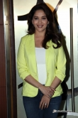 madhuri-dixit-at-dedh-ishqiya-movie-promotion-34132