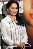 madhuri-dixit-at-dedh-ishqiya-promotion-35936