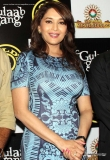 madhuri-dixit-promotes-gulaab-gang-at-golds-gym-28540
