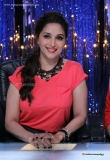 madhuri-dixit-during-the-promotion-of-bobby-jasoos-38350