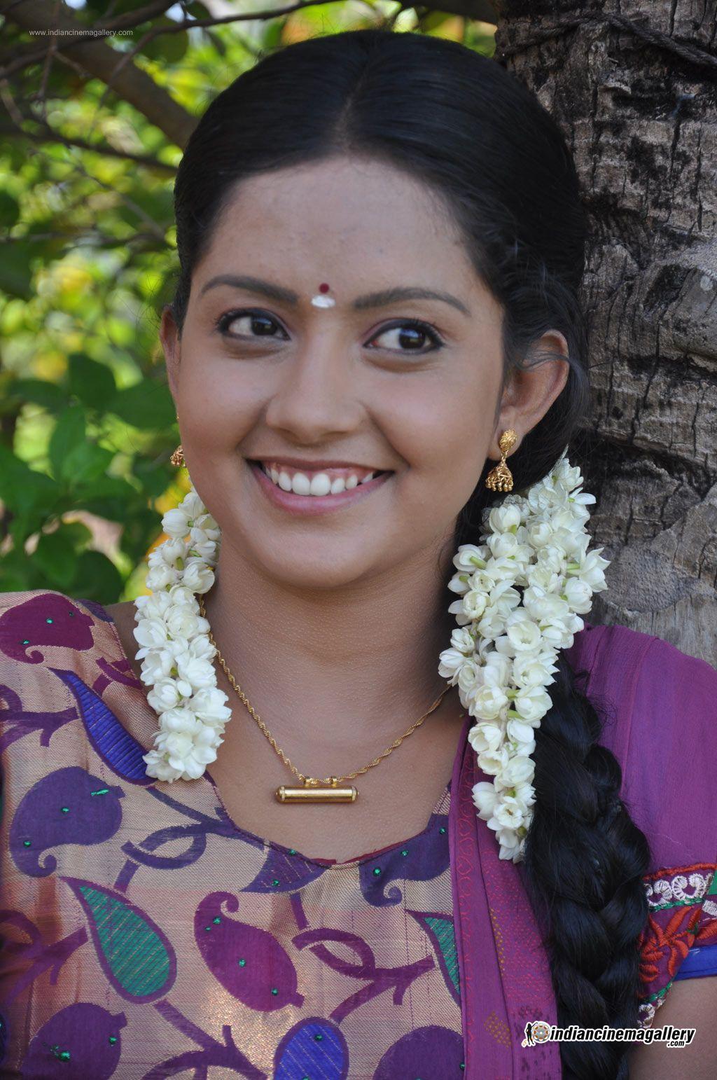 mahima-nambiar-at-agathinai-movie-press-meet-stills-114110