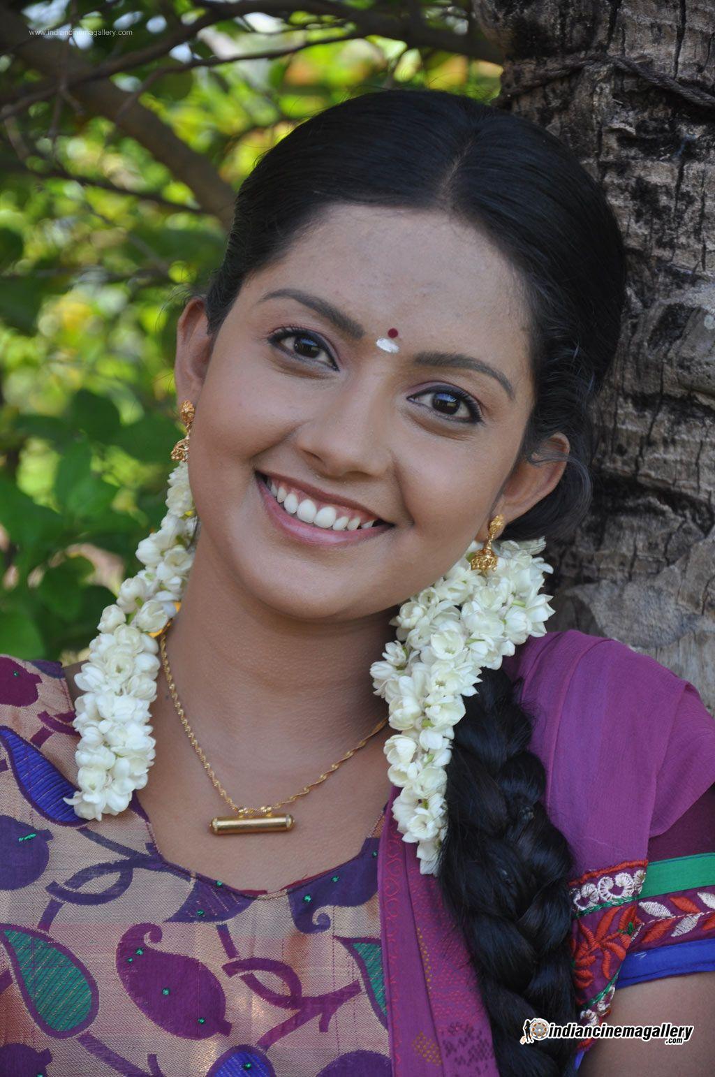 mahima-nambiar-at-agathinai-movie-press-meet-stills-129718